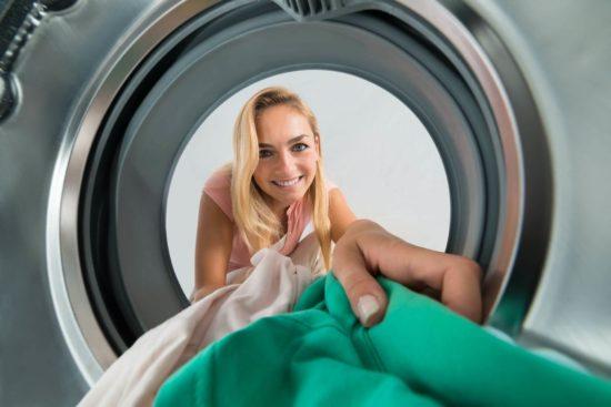 Lavasciuga o lavatrice e asciugatrice in colonna